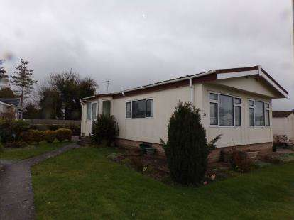 2 Bedrooms Bungalow for sale in Woodcote Park, Wilmcote