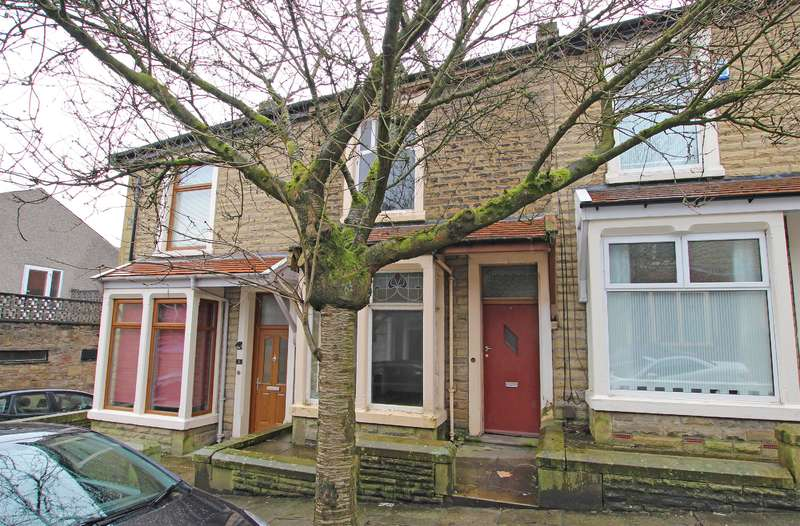 2 Bedrooms Terraced House for sale in Windsor Road Darwen BB3 1QP