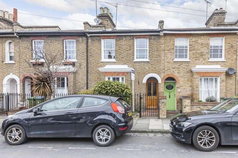 3 Bedrooms Terraced House for rent in Calvert Road, SE10