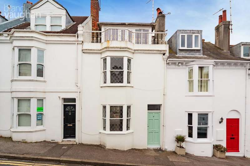 3 Bedrooms Terraced House for rent in Dean Street, Brighton, BN1