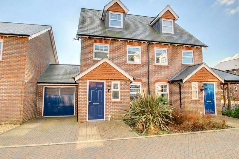 3 Bedrooms Semi Detached House for sale in Helens Close, Alton