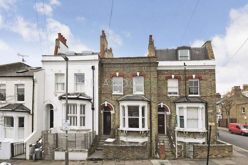 4 Bedrooms Maisonette Flat for sale in Taybridge Road, London