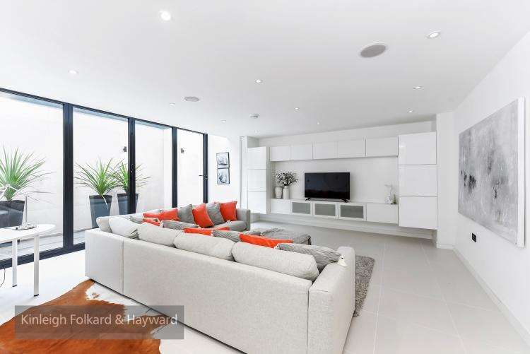 4 Bedrooms House for rent in Cecile Park London N8