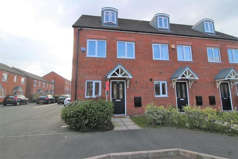 3 Bedrooms Semi Detached House for sale in Magazine Road, Wirral, CH62 3LH