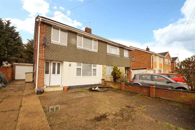 3 Bedrooms Semi Detached House for sale in Valentines Drive, St. Anne's, Colchester