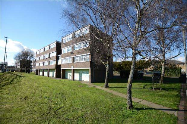 2 Bedrooms Apartment Flat for sale in Aspen Close, West Drayton