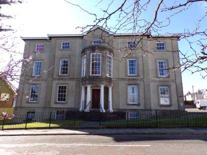 2 Bedrooms Flat for sale in 20 Wood St, Ryde, Isle Of Wight