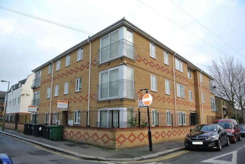 2 Bedrooms Apartment Flat for sale in Park Road, Leyton