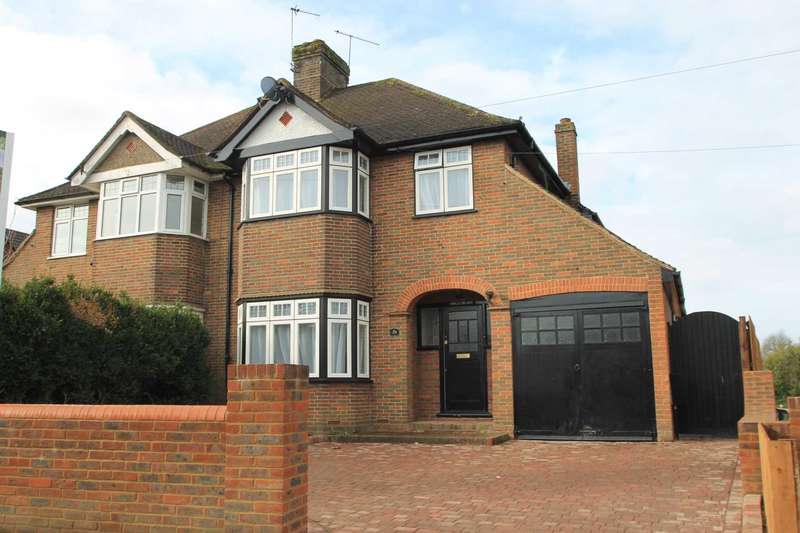 3 Bedrooms Semi Detached House for sale in Grove Road, Tring, Hertfordshire