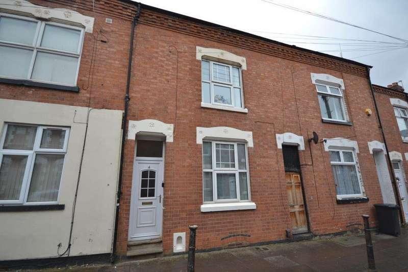 3 Bedrooms Terraced House for sale in Cedar Road, Leicester