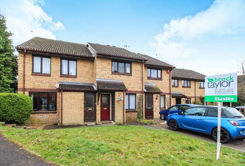 2 Bedrooms Terraced House for sale in Wallis Way, Horsham