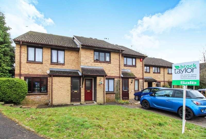 2 Bedrooms Terraced House for sale in Wallis Way, Horsham