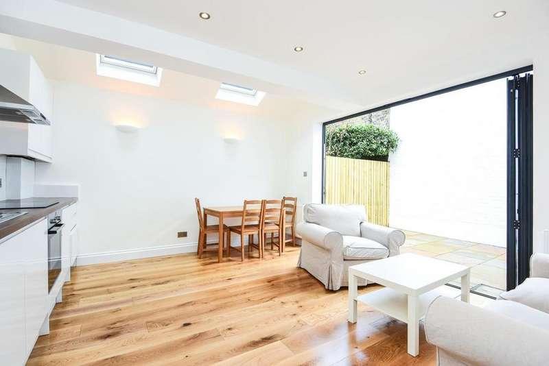 2 Bedrooms Flat for sale in Taybridge Road, Battersea