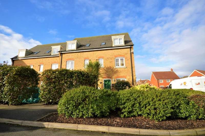 5 Bedrooms Town House for sale in Kinson Way, Whitfield, Dover
