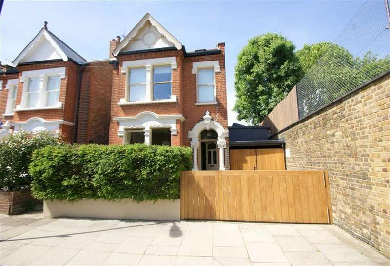 5 Bedrooms Detached House for sale in Stuart Road, London