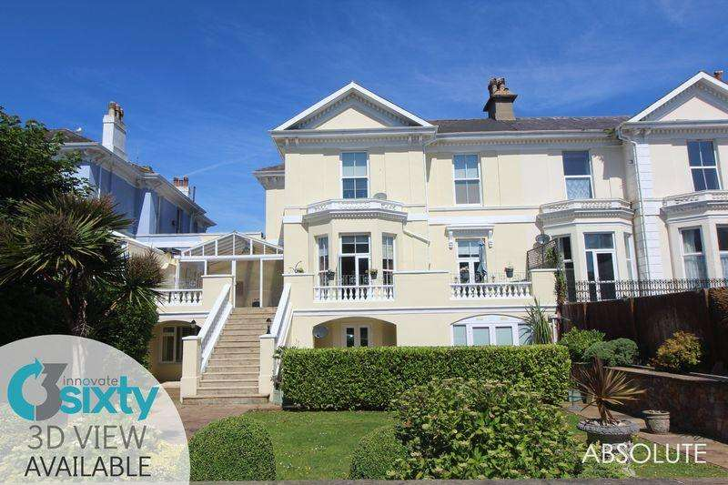 3 Bedrooms Apartment Flat for sale in St Lukes Park, Torquay