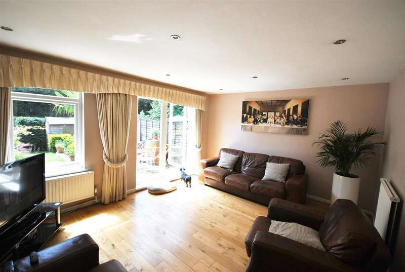 3 Bedrooms Terraced House for sale in Frensham, Cheshunt