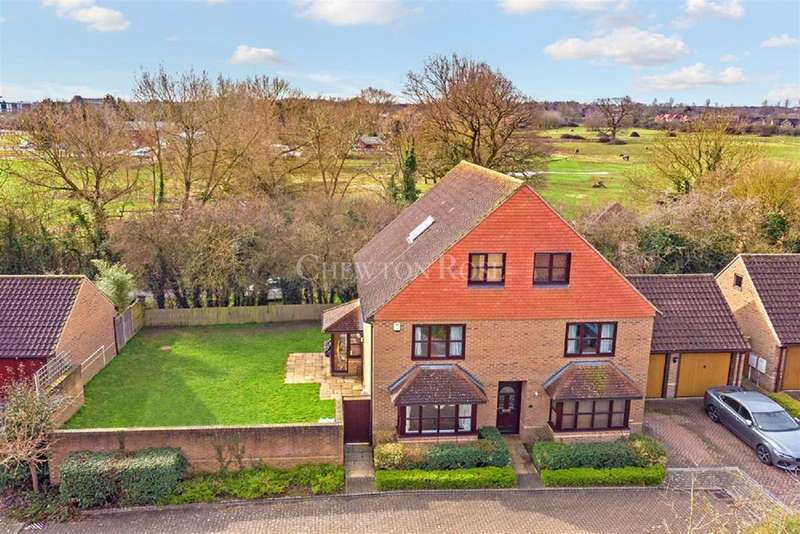 5 Bedrooms Detached House for sale in Loughton