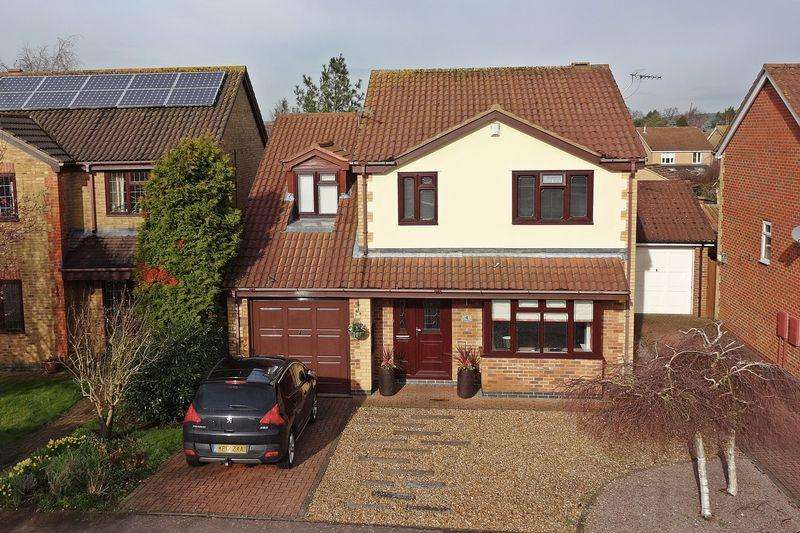4 Bedrooms Detached House for sale in Durham Close, Flitwick