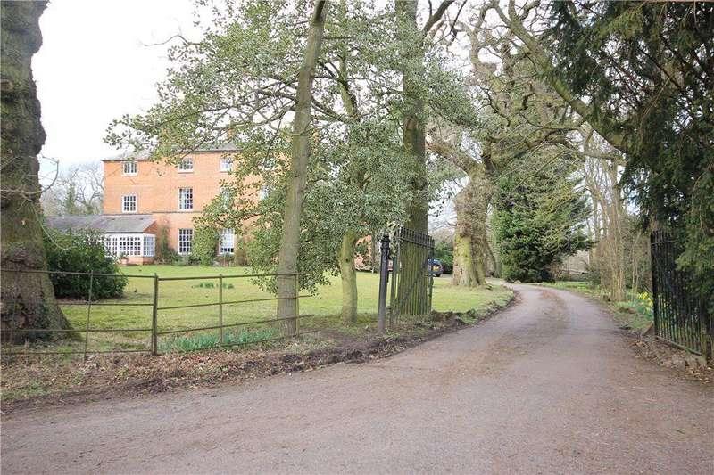 4 Bedrooms Apartment Flat for sale in Elmdon Grange, Elmdon Park, Solihull, West Midlands, B92