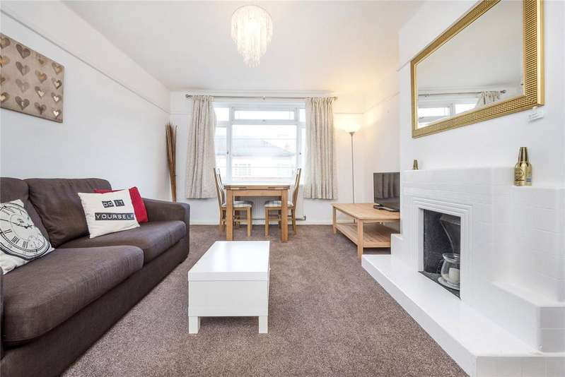 3 Bedrooms Flat for sale in Manor Vale, Boston Manor Road, Brentford, Middlesex