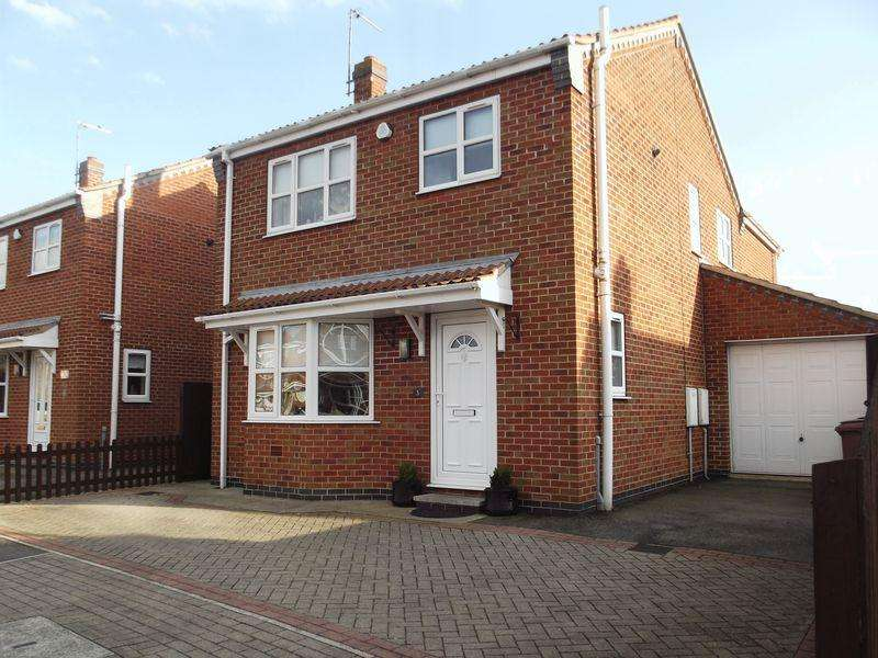 4 Bedrooms Detached House for sale in Fieldside Close, Thorngumbald,