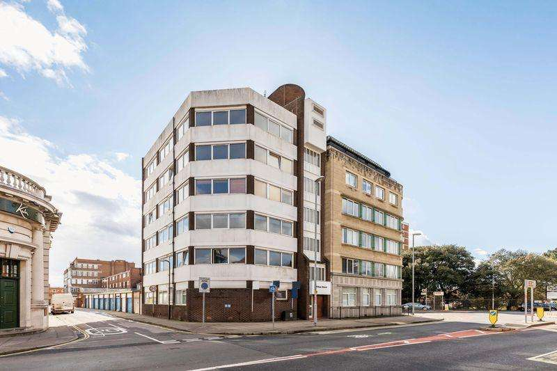 2 Bedrooms Apartment Flat for sale in Kings Road, Southsea