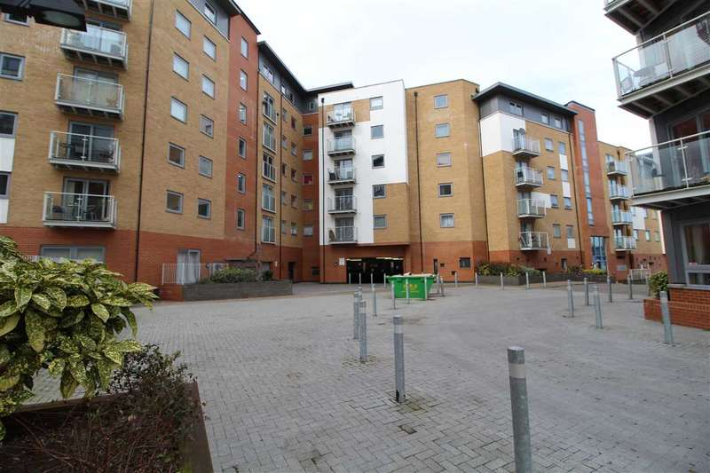 2 Bedrooms Apartment Flat for sale in Sail House, Ship Wharf, Colchester