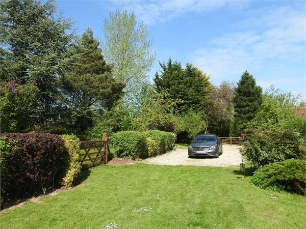 4 Bedrooms Detached House for sale in Harpers Green, Brisley, Dereham, Norfolk