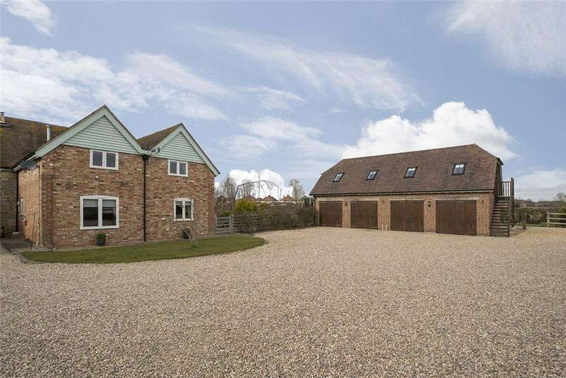 4 Bedrooms Barn Conversion Character Property for sale in Manor Farm Barns, Stratford Road, Honeybourne, Worcestershire, WR11