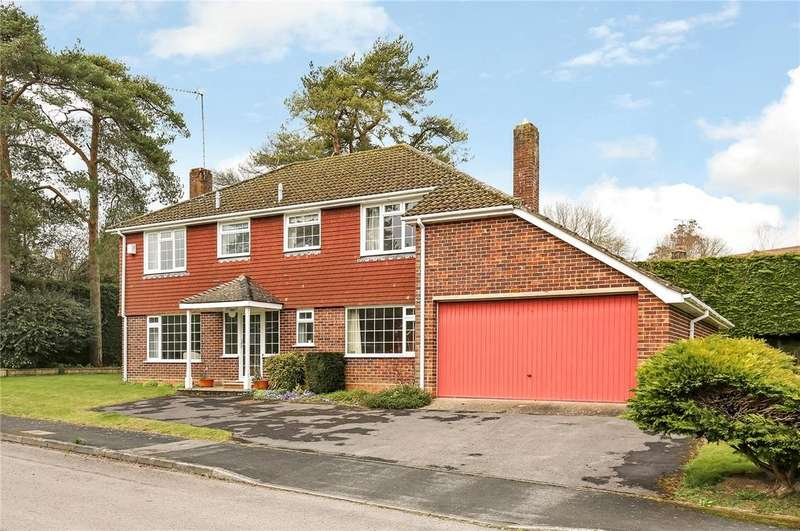 4 Bedrooms Detached House for sale in Valley Road, Littleton, Winchester, Hampshire, SO22