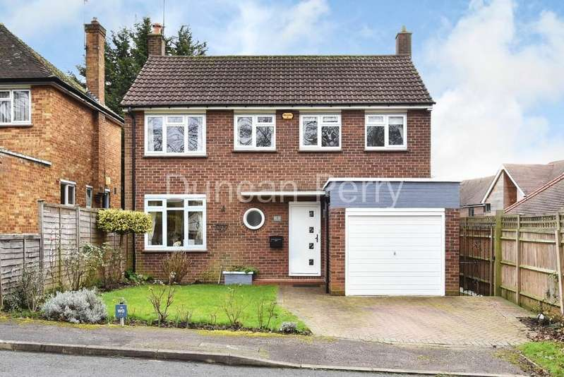 3 Bedrooms Detached House for sale in Church Road, Potters Bar, Herts