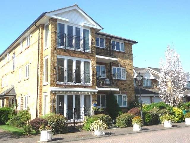 2 Bedrooms Flat for rent in Swan Walk, Shepperton