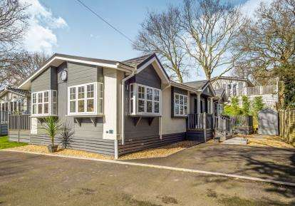 2 Bedrooms Bungalow for sale in Bacton Road, North Walsham, Norfolk
