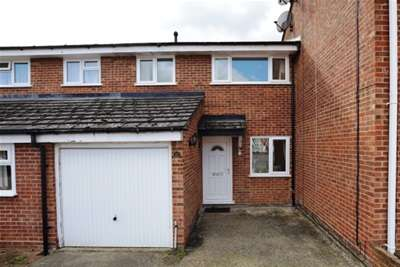 3 Bedrooms Terraced House for rent in Clay Pit Piece, Saffron Walden