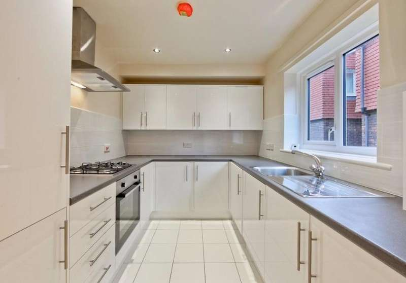 1 Bedroom Flat for sale in Copers Cope Road Beckenham BR3