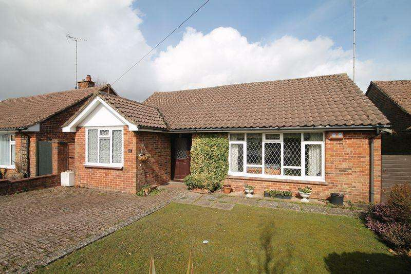 3 Bedrooms Detached Bungalow for sale in Dale Avenue, Hassocks, West Sussex,