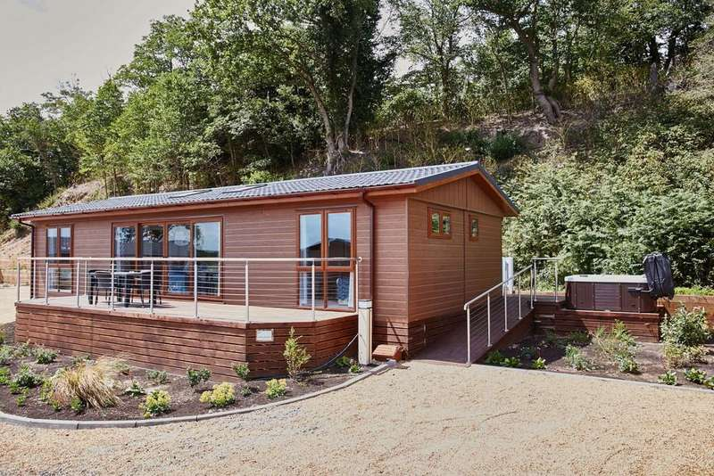 2 Bedrooms Mobile Home for sale in Waveney River Centre, Burgh St Peter