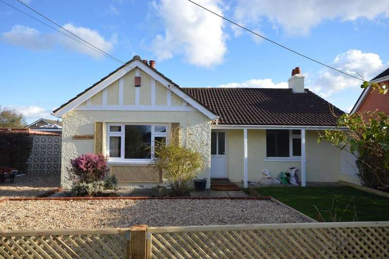 3 Bedrooms Detached Bungalow for sale in Christchurch Road, New Milton