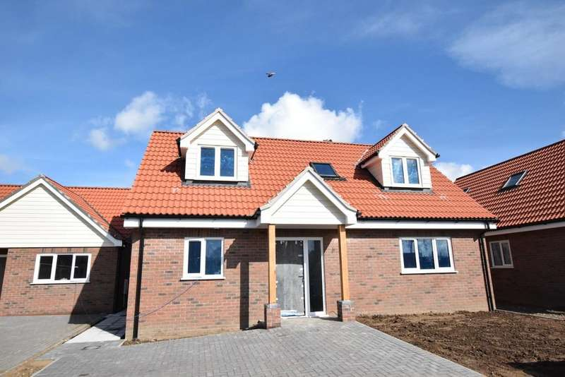 3 Bedrooms Chalet House for sale in Plot 3 - Emerald Close, Kesgrave, Ipswich, IP5 2XA