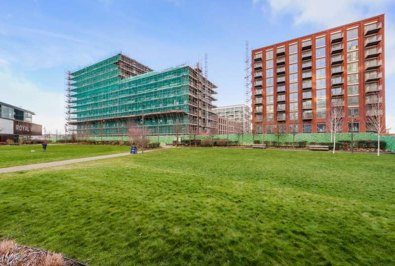 1 Bedroom Apartment Flat for sale in Thameside House, Royal Wharf, E16