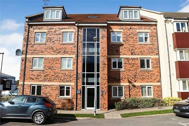 2 Bedrooms Flat for sale in Ford Lodge, South Hylton, Sunderland, Tyne and Wear
