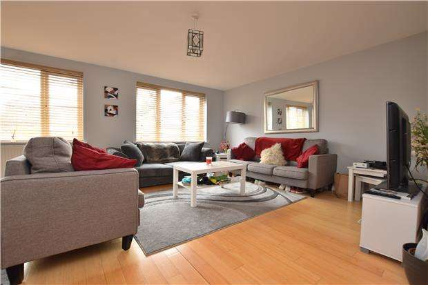 2 Bedrooms Flat for sale in Queens Court, Kelburne Road, Oxford, OX4 3SH