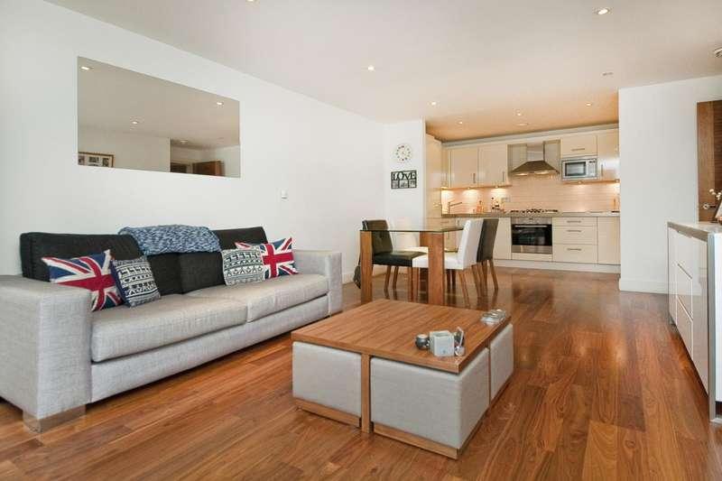 2 Bedrooms Flat for rent in Clerkenwell Road, Clerkenwell, EC1M