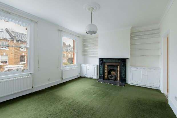 2 Bedrooms Flat for sale in Oakford Road, Kentish Town, NW5