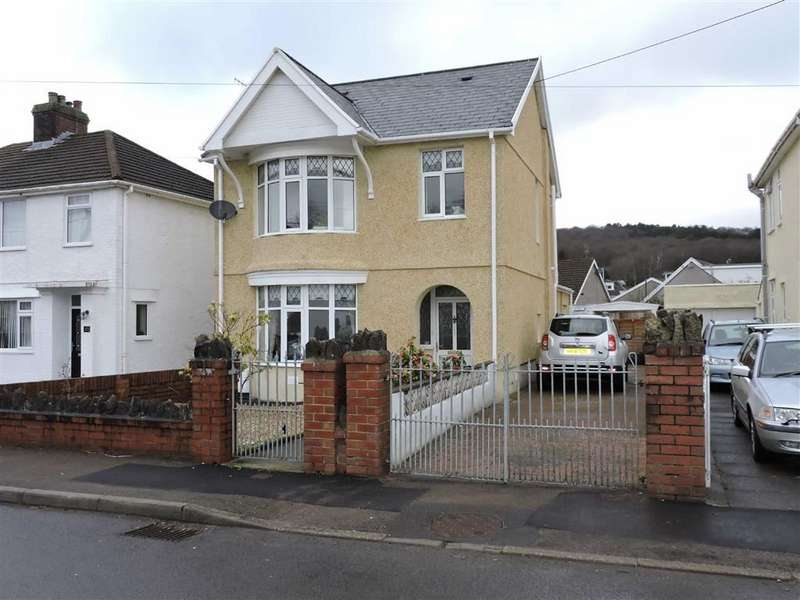 3 Bedrooms Detached House for sale in Capel Road, Clydach