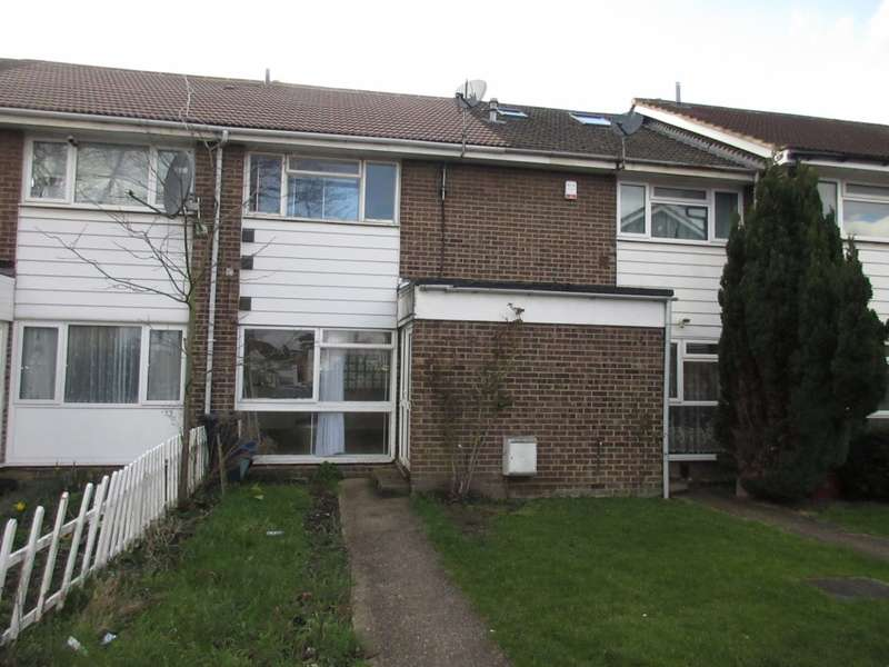 3 Bedrooms Terraced House for rent in Clark Way, Hounslow, TW5