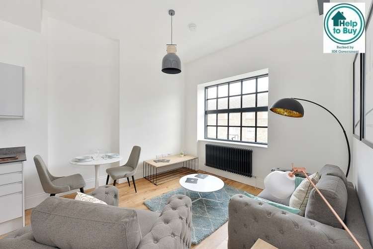 2 Bedrooms Flat for sale in Woodrow Woolwich SE18