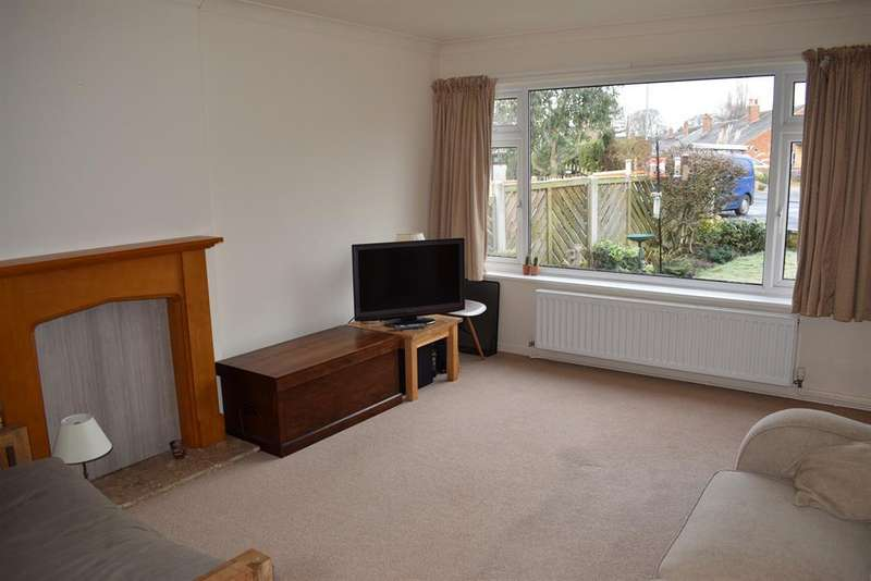 3 Bedrooms Bungalow for rent in Lacey Grove, Wetherby, LS22 6RL