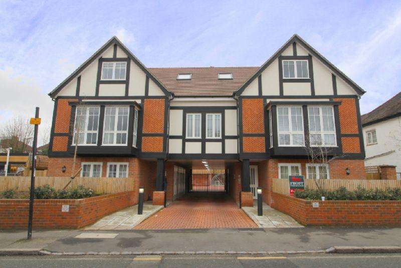 2 Bedrooms Apartment Flat for sale in Chipstead Valley Road, Coulsdon